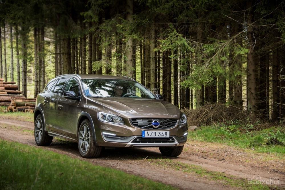 Volvo V60 2018 là mẫu xe wagon khá thuyết phục người tiêu dùng