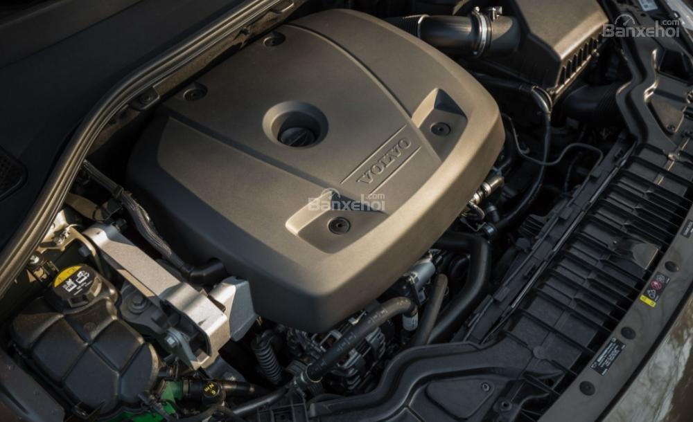 Ba khối động cơ của Volvo V60 2018 cho khả năng vận hành khá đa dạng