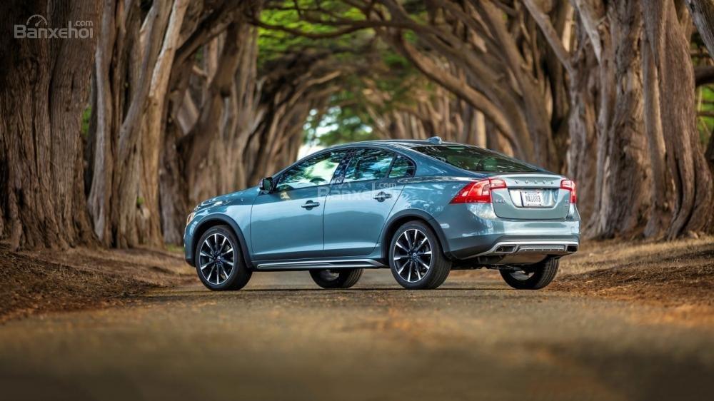 Độ an toàn của Volvo V60 2018 được đánh giá cao