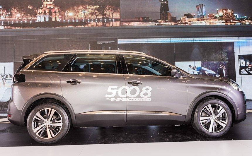 Ảnh chụp thân xe Peugeot 5008 2018-2019
