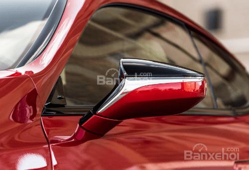 Đánh giá xe Lexus LS 2018 về thiết kế thân xe: Gương chiếu hậu có dải crôm chính giữa