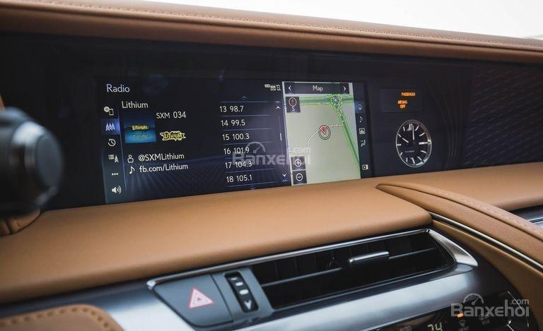 Đánh giá xe Lexus LC 2018: Xe được trang bị nhiều công nghệ.