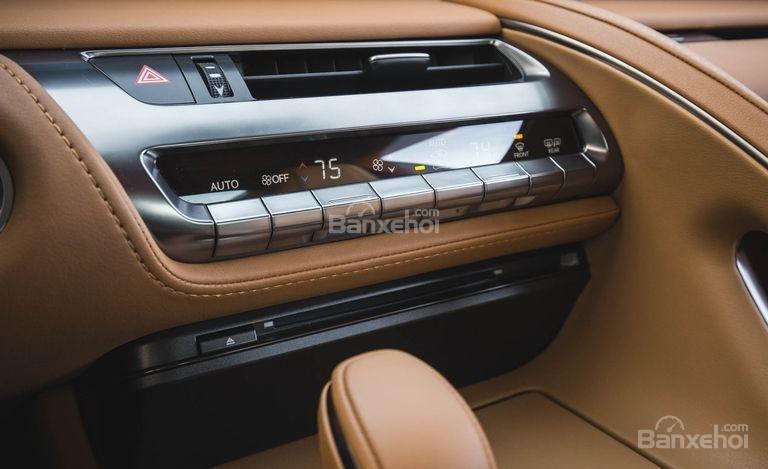Đánh giá xe Lexus LC 2018: Bảng điều khiển.