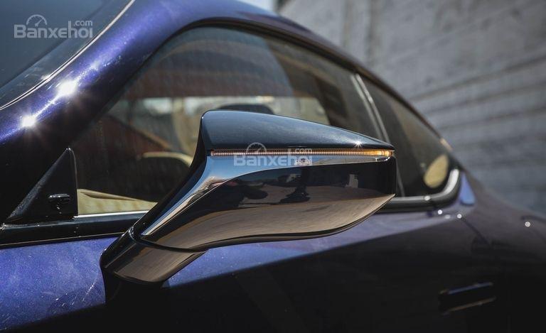 Đánh giá xe Lexus LC 2018: Gương chiếu hậu tích hợp LED.