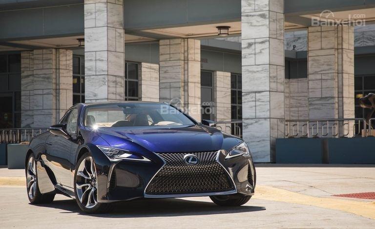 Đánh giá xe Lexus LC 2018: Đầu xe.
