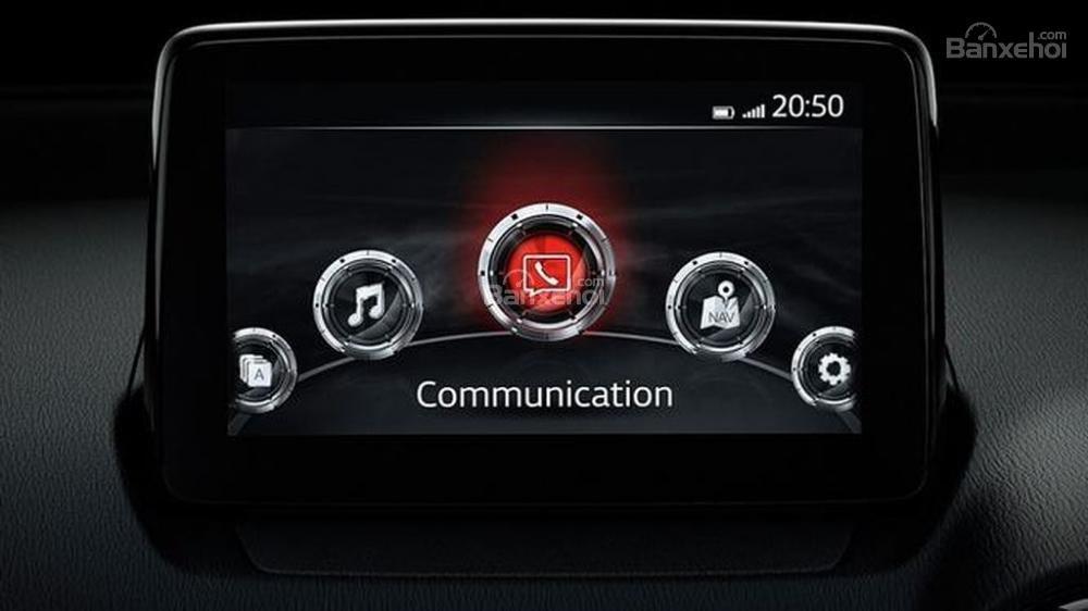 Đánh giá xe Mazda 2 2017-2018: Xe được trang bị nhiều tính năng tiện ích.