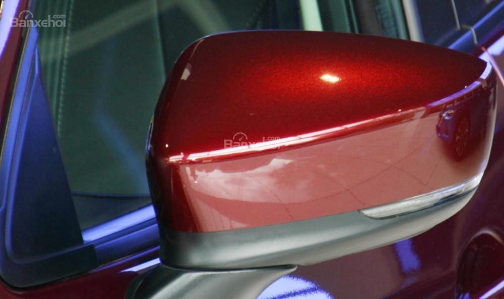 Đánh giá xe Mazda 2 2017-2018: Gương chiếu hậu tích hợp đèn xi nhan.