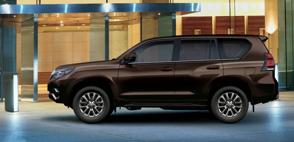 So sánh xe Toyota Land Cruiser Prado 2018 và Ford Explorer 2018 thân xe.