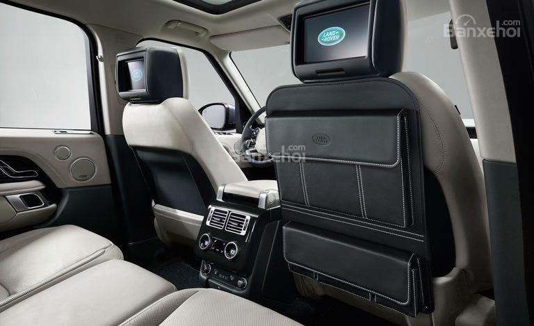 Đánh giá xe Land Rover Range Rover 2018 về vô lăng