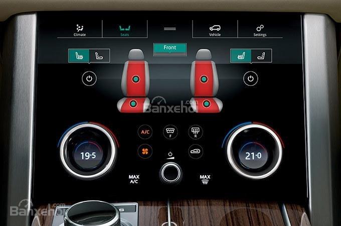 Màn hình cảm úng thứ 2 trên xe Land Rover Range Rover 2018