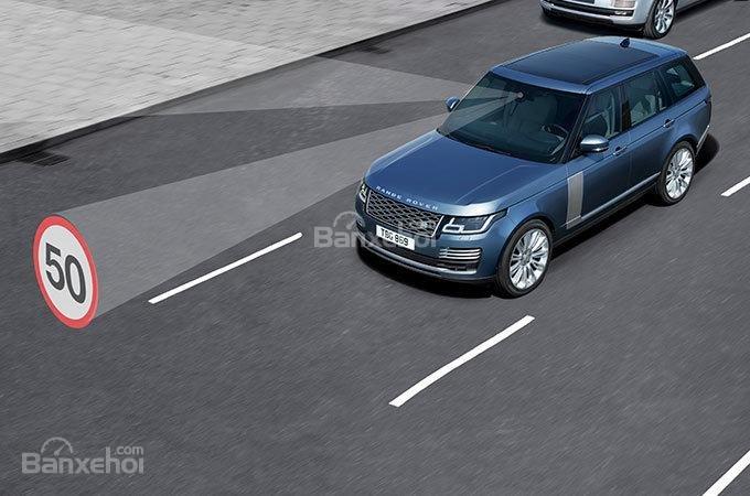 Đánh giá xe Land Rover Range Rover 2018 về trang bị an toàn a4