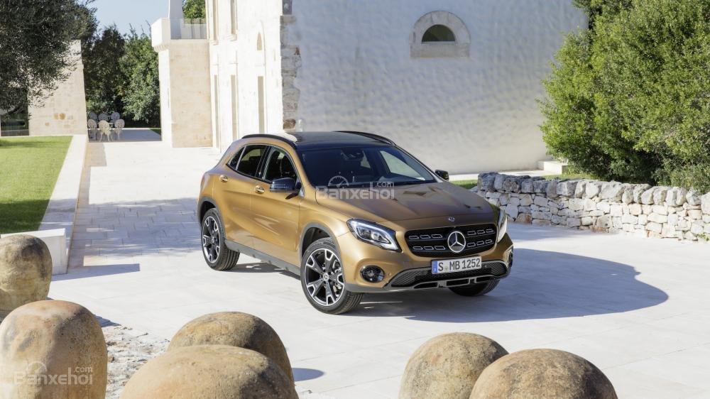 Đánh giá xe Mercedes-Benz GLA 2018 1