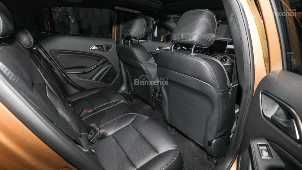 Đánh giá xe Mercedes-Benz GLA 2018 về hệ thống ghế ngồi a2