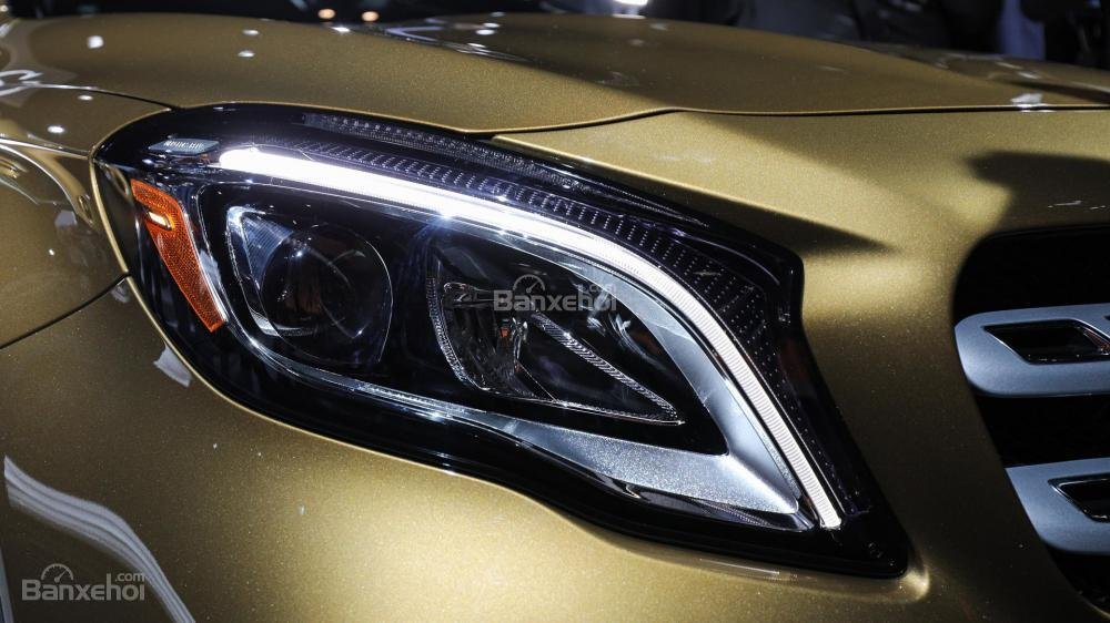 Đèn pha xe Mercedes-Benz GLA 2018
