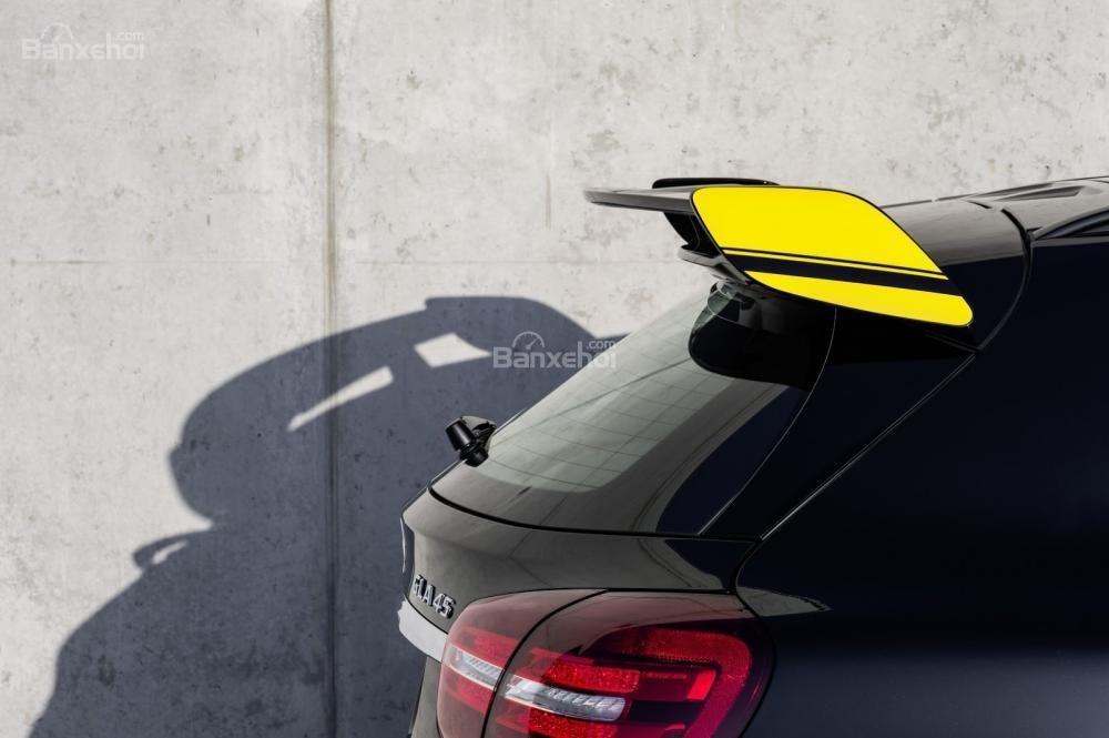 Cánh lướt gió sau trên Mercedes-Benz AMG GLA45