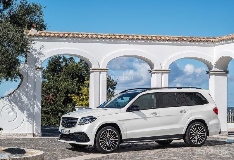 Loạt đối thủ đáng gờm của Land Rover Range Rover 2018: Mercedes GLS Class .