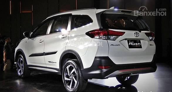 Toyota Rush 2018 không được đánh giá cao về khả năng tiết kiệm nhiên liệu.