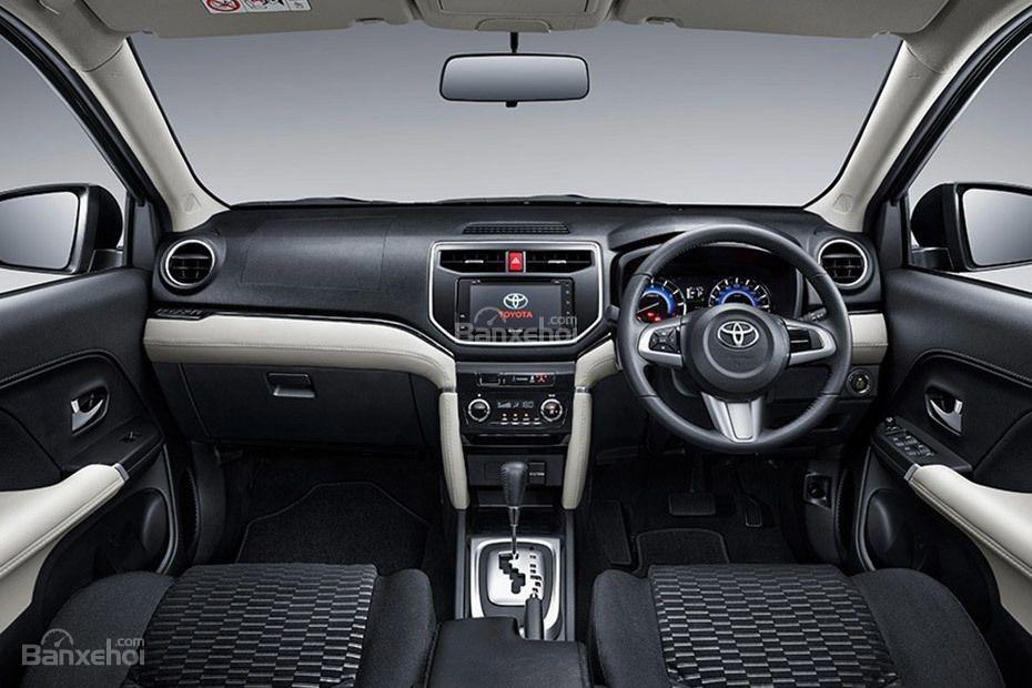 Đánh giá xe Toyota Rush 2018: Nội thất xe.