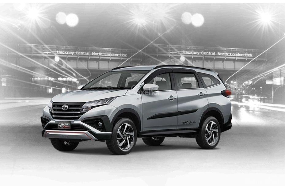 Toyota Rush 2018 có 6 tùy chọn ngoại thất: Bạc.