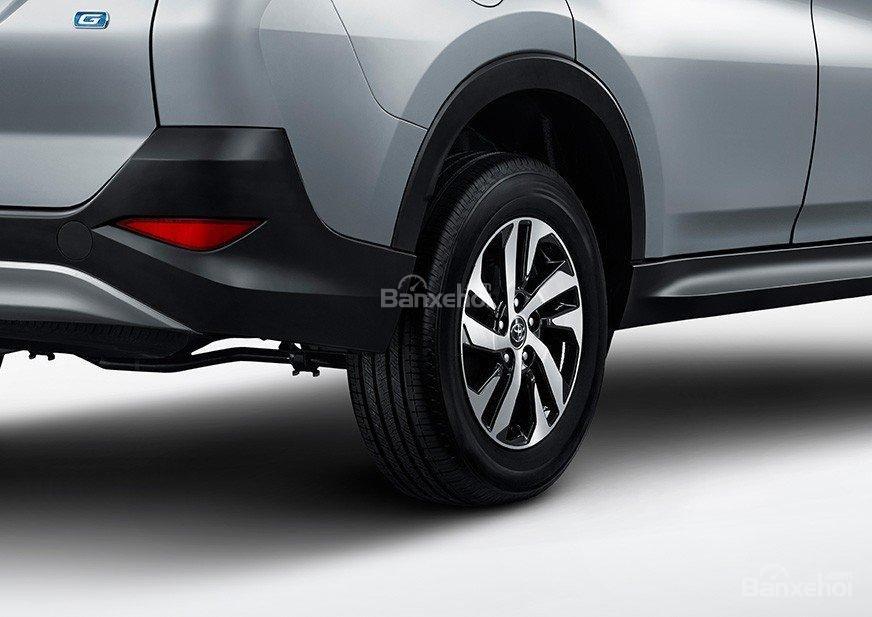 Đánh giá xe Toyota Rush 2018: Mâm 16 inch.