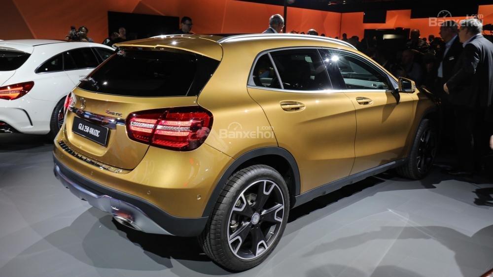 Đánh giá xe Mercedes-Benz GLA 2018 về thiết kế đầu xe