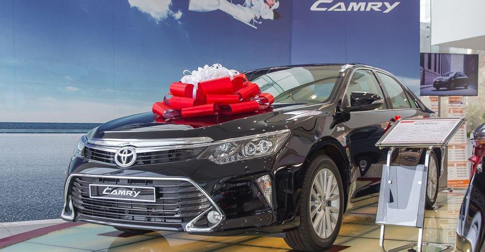 Mazda 6 2018 và Toyota Camry 2018: Xe người trẻ và xe người già.