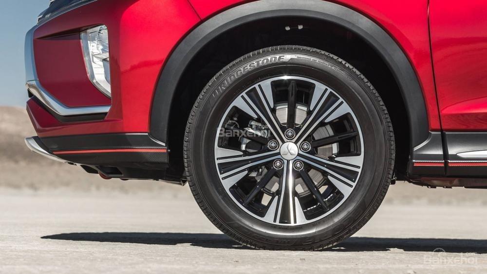 Đánh giá xe Mitsubishi Eclipse Cross 2018: Bánh xe.