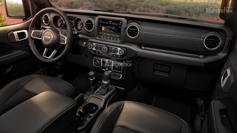 Đánh giá xe Jeep Wrangler 2018 về trang bị tiện nghi1a