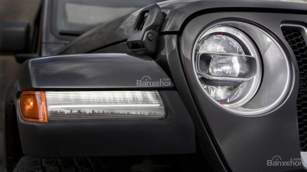 Đèn pha xe Jeep Wrangler 2018