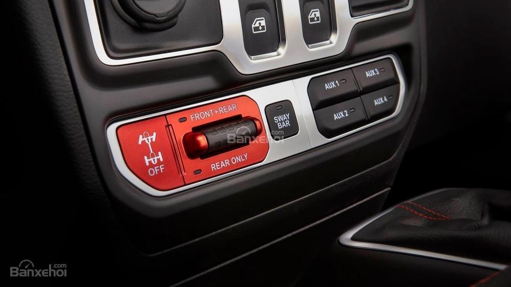 Đánh giá xe Jeep Wrangler 2018 về cảm giác lái a1