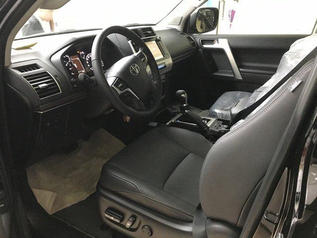 Toyota Prado 2018 chính hãng cháy hàng, đại lý tư nhân vẫn còn hàng bán a8