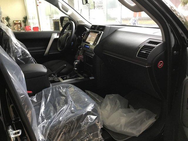 Toyota Prado 2018 chính hãng cháy hàng, đại lý tư nhân vẫn còn hàng bán a9