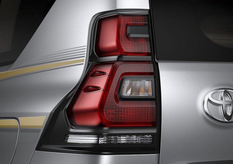 Đèn hậu xe Toyota Land Cruiser Prado 2018