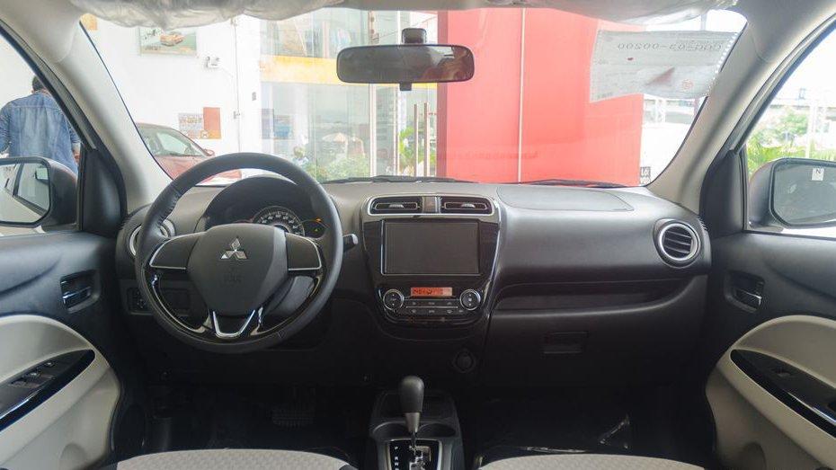 So sánh xe Hyundai Grand i10 2018 và Mitsubishi Mirage 2017 về nội thất: Xe Hàn áp đảo 3