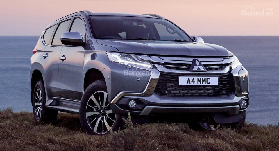 Mitsubishi Pajero Sport lên kệ tại Anh với giá 1,14 tỷ đồng.