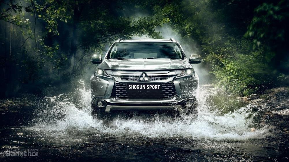 Mitsubishi Pajero Sport lên kệ tại Anh với giá 1,14 tỷ đồng 1