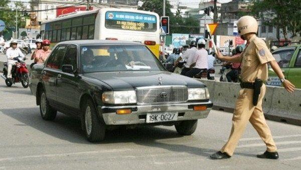 """10 lỗi vi phạm giao thông thường bị """"tuýt còi"""" dịp Tết 9"""