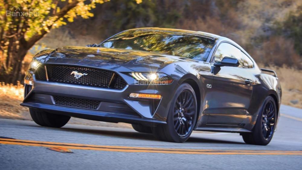 Đầu xe Ford Mustang 2018