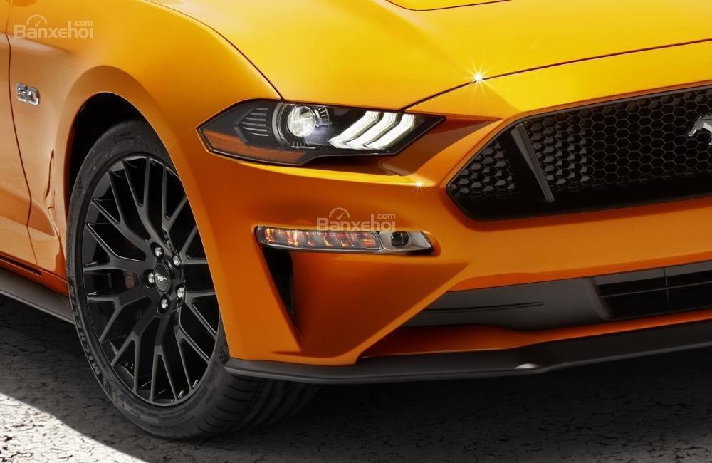 Đèn pha Ford Mustang 2018