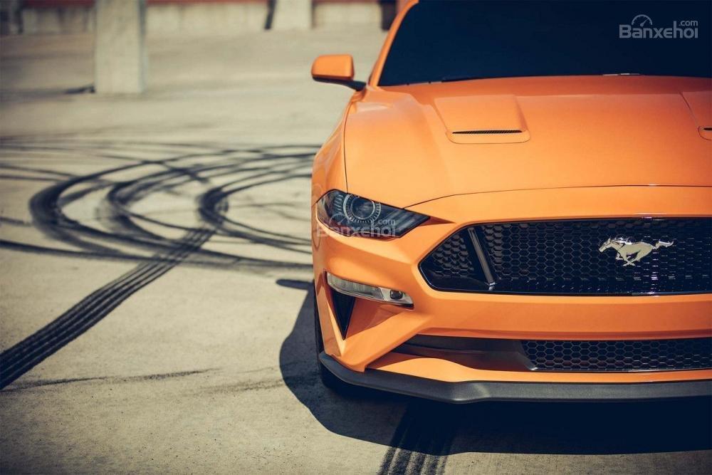 Nắp ca-pô xe Ford Mustang 2018
