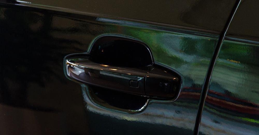 So sánh xe Infiniti QX60 2018 và Audi Q7 2018 về thân xe 5