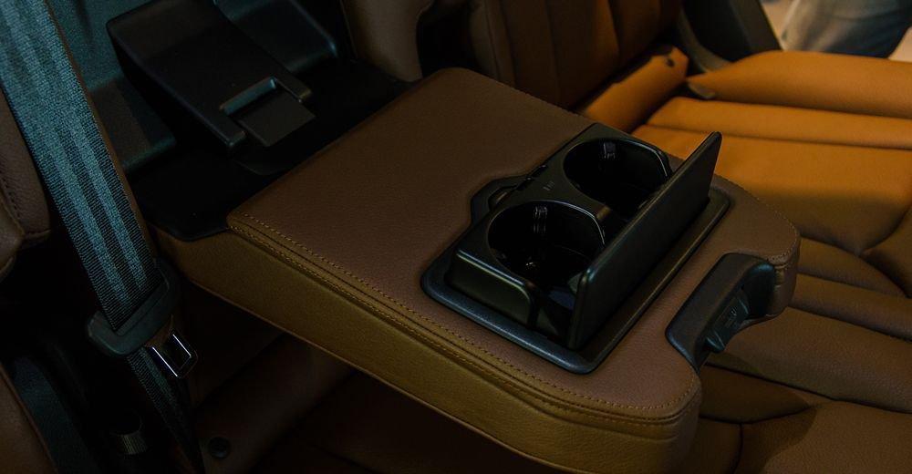 So sánh xe Infiniti QX60 2018 và Audi Q7 2018 về ghế ngồi 13
