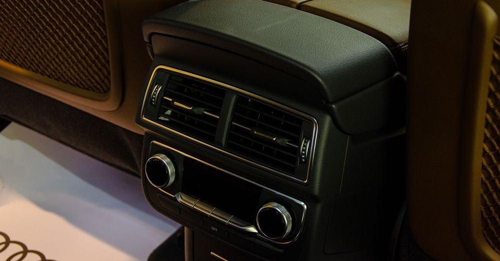 So sánh xe Infiniti QX60 2018 và Audi Q7 2018 về hệ thống giải trí 7