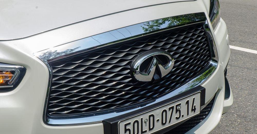 So sánh xe Infiniti QX60 2018 và Audi Q7 2018 về đầu xe 7