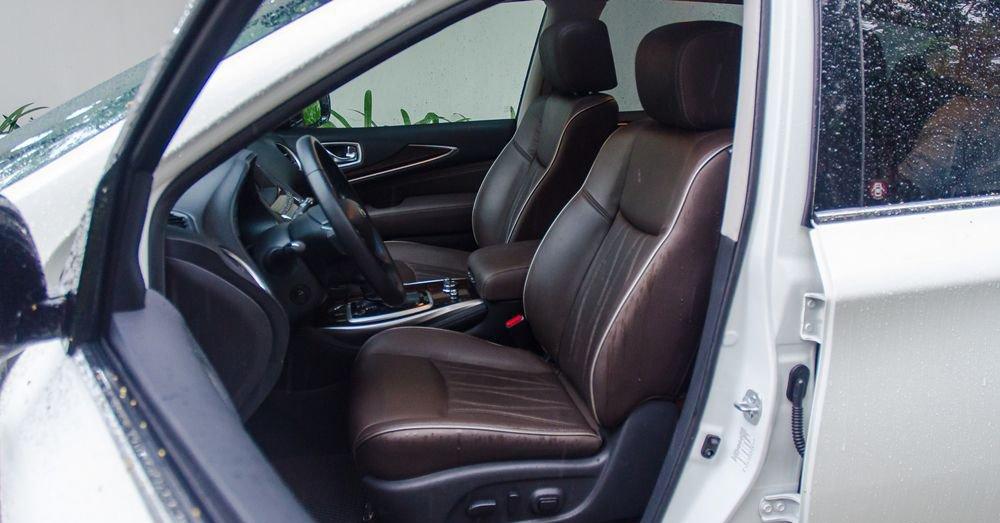 So sánh xe Infiniti QX60 2018 và Audi Q7 2018 về ghế ngồi 2