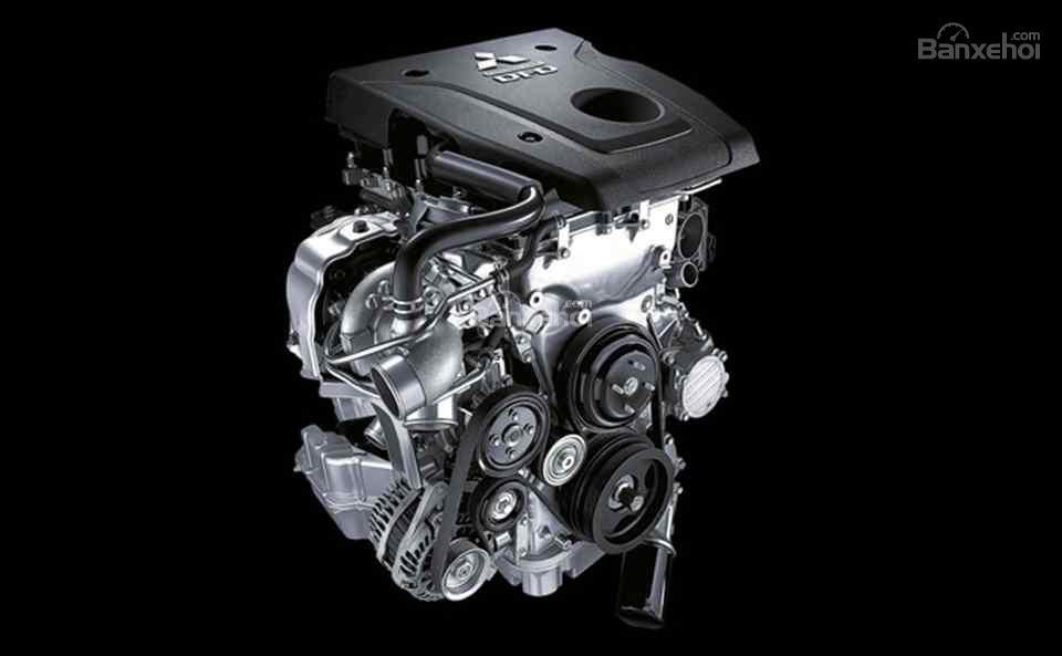 Mitsubishi Triton Athlete được trang bị động cơ diesel 2.4 lít MIVEC.