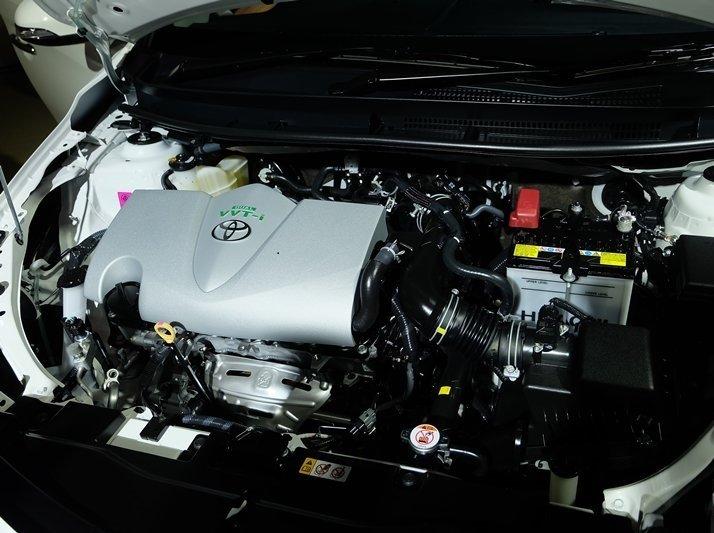 Nên mua Toyota Corolla Altis hay Toyota Vios 2018_16