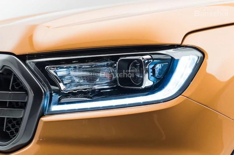 Đèn pha xe Ford Ranger 2019-2020