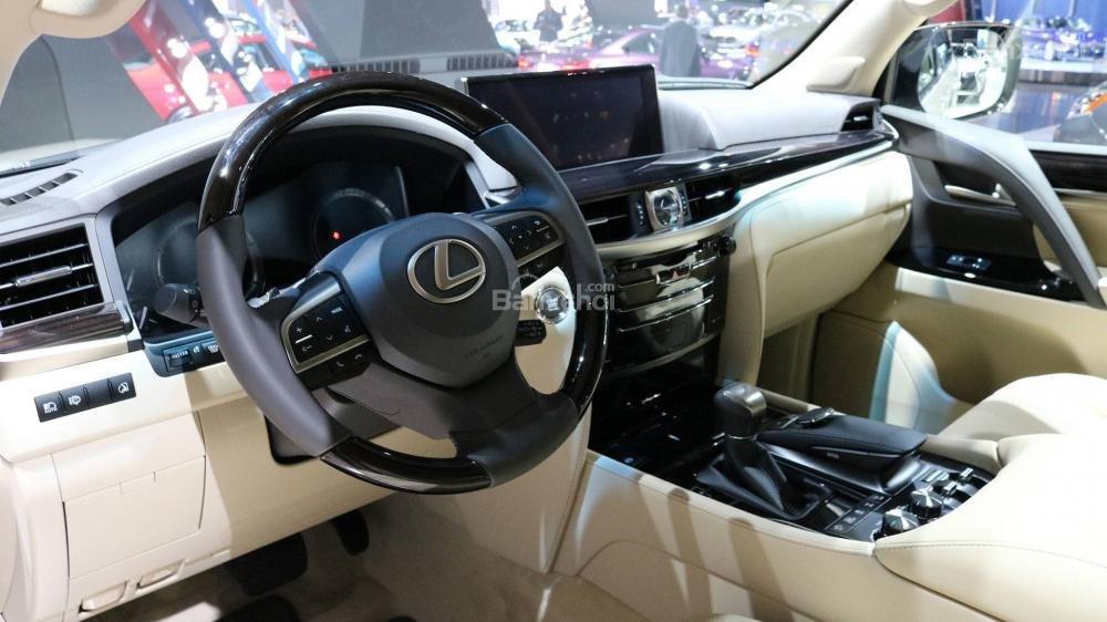 Nội thất Lexus LX 570 2018 bản 5 chỗ