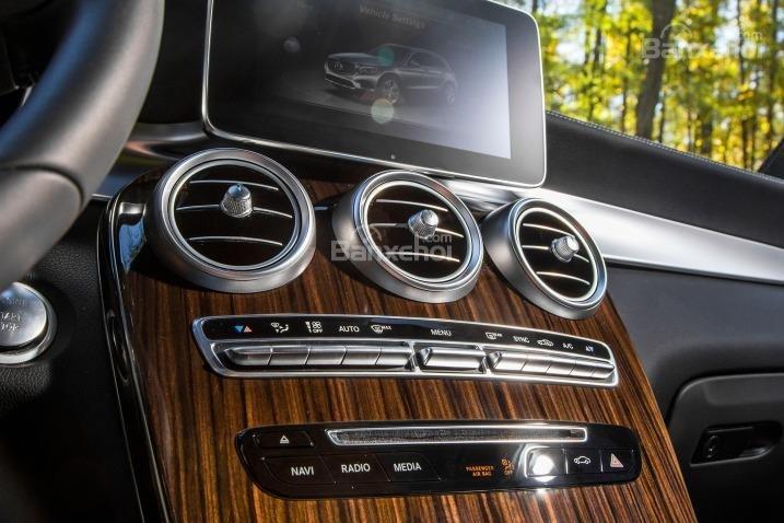Mercedes Benz GLC-Class 2018 có thiết kế nội thất sang trọng 2a